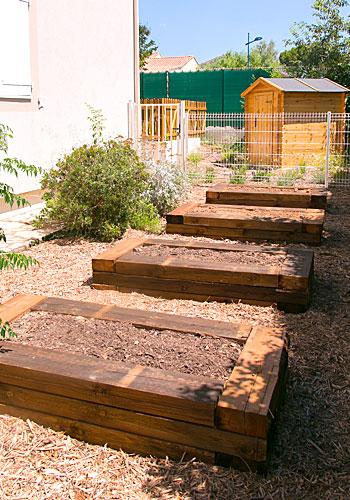activité de jardinage pour les tout-petits